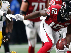 Mohamed Sanu breaks tackles for gain of 24 yards