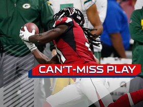 Watch: Can't-Miss Play: Rodgers' checkdown suddenly turns into Falcons TD