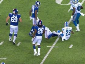 Eli Manning turns sure sack into 12-yard wobbly completion
