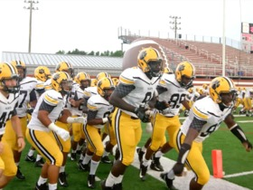 Watch: Play Football: Valdosta Wildcats