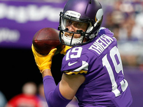 Adam Thielen makes a spectacular over-the-shoulder catch