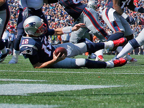 Watch: Tom Brady trips over Gillislee and falls at 2-yard line