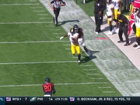 Watch: JuJu Smith-Schuster bolts down sideline for 25 yard gain