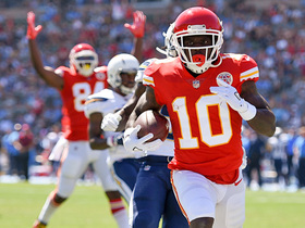 Tyreek Hill hauls in 30-yard TD pass from Alex Smith