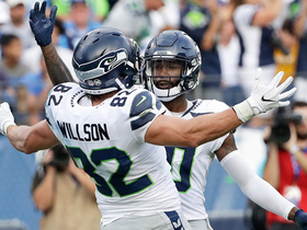 Watch: Paul Richardson gets into the end zone for an 8-yard touchdown