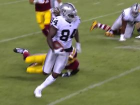 Cordarrelle Patterson breaks tackle for 8 yards