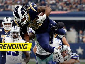 Todd Gurley tries to defy gravity on 17-yard run