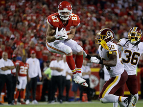 Travis Kelce gets big to snatch 20-yard pass out of the air