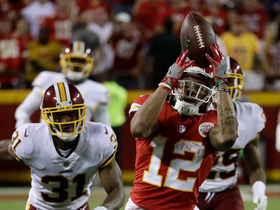 Wilson! Alex Smith finds open man for HUGE gain in crunch time