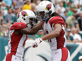 Larry Fitzgerald catches pass for 200th straight game