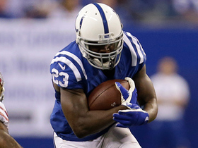 Frank Gore refuses to be taken down on zig-zagging 26-yard gain