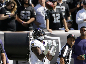 Joe Flacco finds Mike Wallace deep for 52 yards