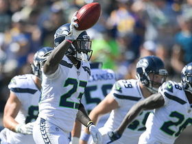 Tavon Austin muffs punt, Neiko Thorpe recovers for Seahawks