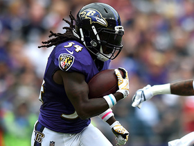 Alex Collins expertly weaves through Bears D for 30-yard gain