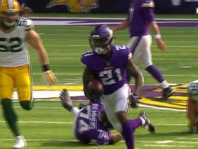 McKinnon takes off in open field for 20 yards
