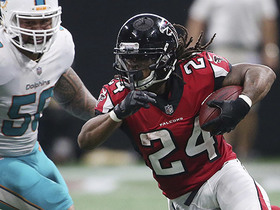Watch: Freeman weaves through Dolphins defenders on 44-yard gain