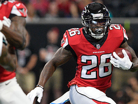 Tevin Coleman bursts up the middle on 20-yard gain