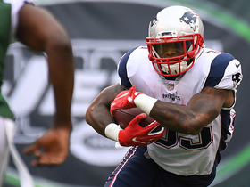 Mike Gillislee needs three Jets to finally take him down on this run