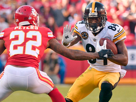 Antonio Brown spins out of Chiefs' hands for 26-yard gain
