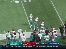 Matt Ryan connects with Julio Jones on accurate sideline grab