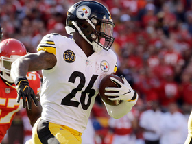 Le'Veon Bell cuts up the sideline for 27 yards