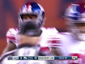 Eli Manning rolls out to hit Roger Lewis on the run for first down
