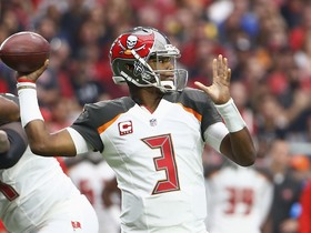 Rapoport: Jameis Winston will have a MRI on right shoulder Monday