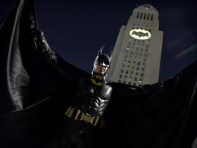 Watch: DDFP: Who would win in a fight - Batman or Ironman?