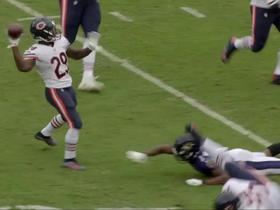 'Turning Point': Running back Tarik Cohen throws TD pass on trick play