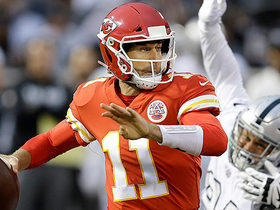 Alex Smith launches pass to Demarcus Robinson for 33-yard gain