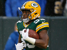 Watch: Aaron Jones bounces to his right, separates for 21-yard run