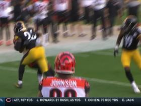 Le'Veon Bell dashes for 23 yards on quick pass