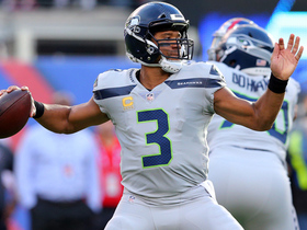 Watch: Russell Wilson floats high-arcing TD pass to Doug Baldwin