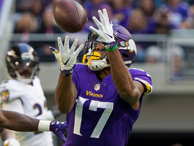 Jarius Wright lays out for 30-yard catch