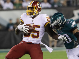 Watch: Vernon Davis glides into Eagles secondary for 31-yard gain