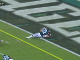 Jordan Reed conquers Eagles' defense for diving TD