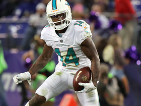 Jarvis Landry jukes out Brandon Carr to nab first down