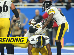 Puttin' in work! Bell leads Steelers bench-press celebration after TD