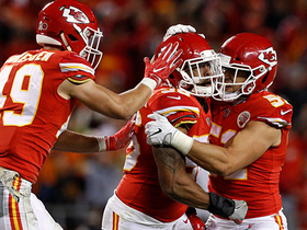 Derrick Johnson swats down Siemian's fourth down pass
