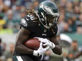 Jay Ajayi jukes defender on his first run as an Eagle