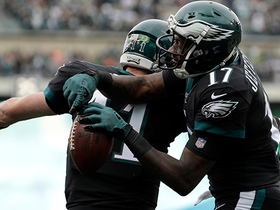 Wentz threads needle to Jeffery on fourth TD pass of the day