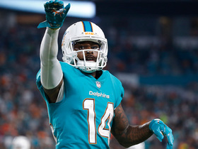 Jarvis Landry stops on a dime and runs in for sneaky TD