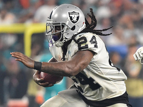 Watch: Marshawn Lynch shows great vision on second TD of the night