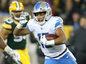 Golden Tate breaks free, makes Clay Matthews whiff on tackle