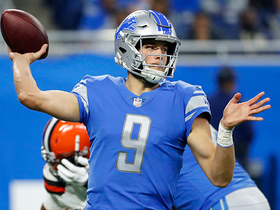 Matthew Stafford finds wide receiver Golden Tate for 35-yard gain