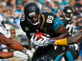 Marcedes Lewis gets wide open for a Jaguars first down