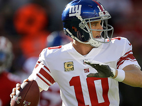 Eli Manning passes deep to Sterling Shepard for 24-yard grab