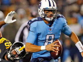 Watch: Marcus Mariota shows off dual-threat ability, rushes in TD