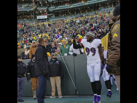 Watch: Ravens run out to boos at Lambeau Field