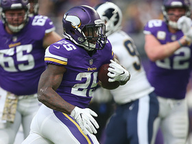 Watch: Latavius Murray breaks tackle for 13-yard gain